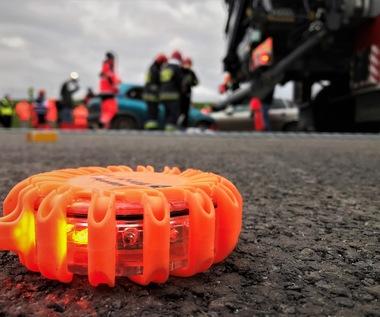 Wypadek na DK 45. Jedna osoba zginęła, pięć zostało rannych