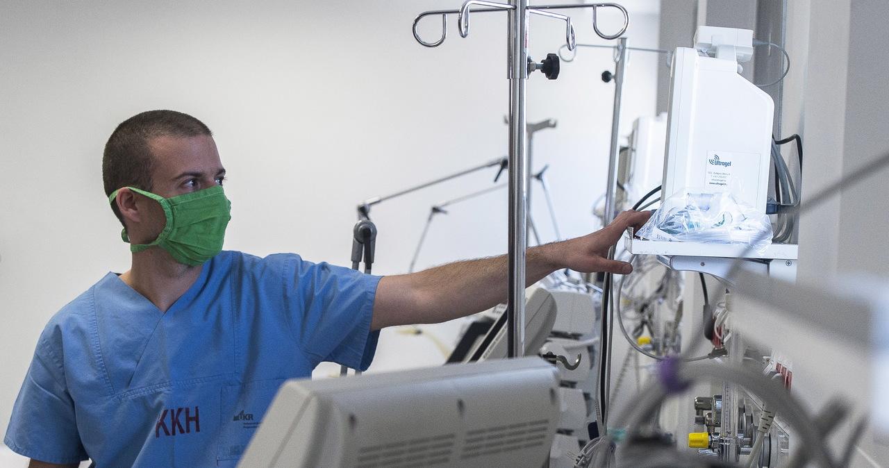 Pacjenci tracą węch i smak. Włoscy lekarze badają nietypowe objawy Covid-19